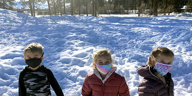 MVE Kinder in the snow